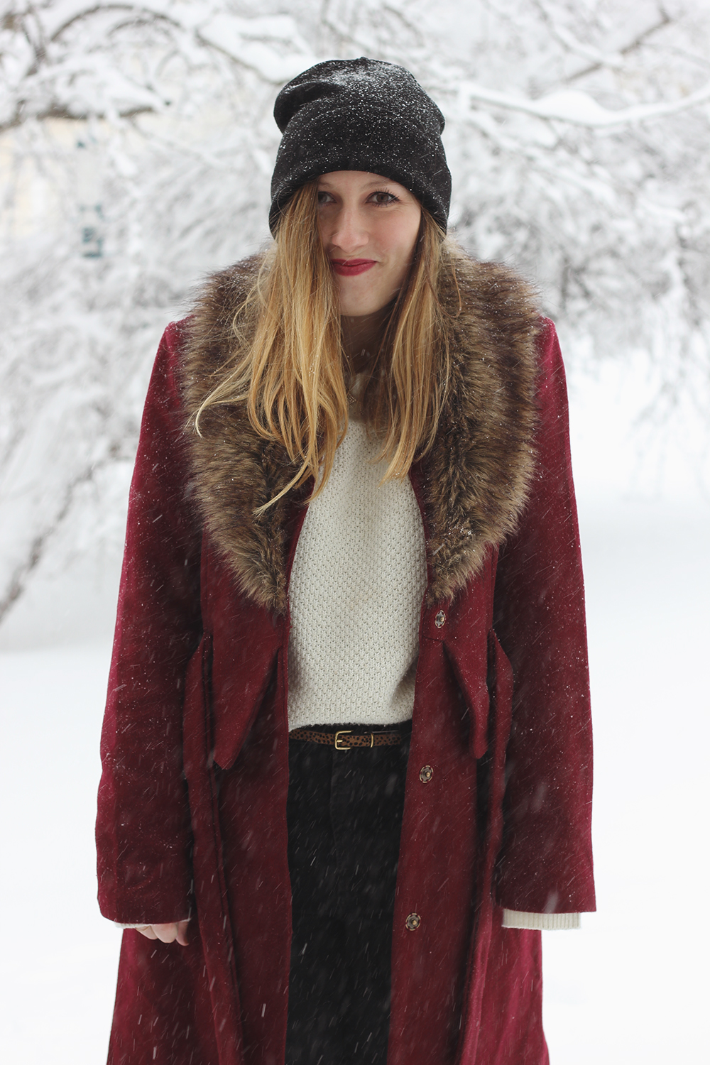 red-coat-fur-collar-snow-day-3