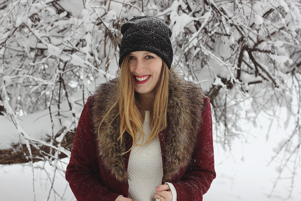 red-coat-fur-collar-snow-day-4