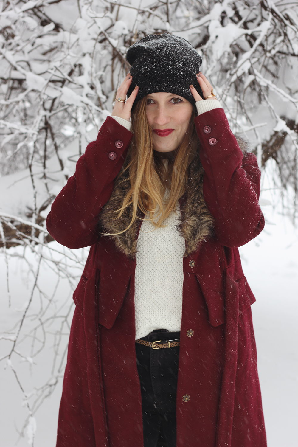 red-coat-fur-collar-snow-day-5