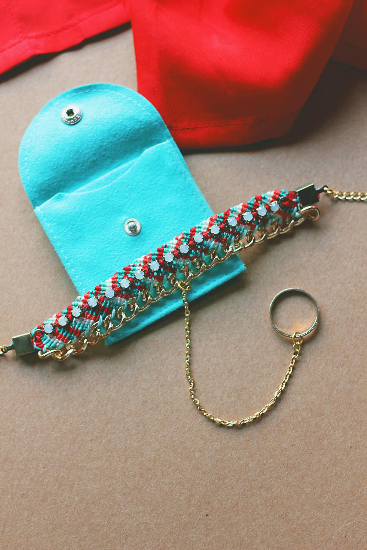diy-friendship-bracelet-hand-charm-3
