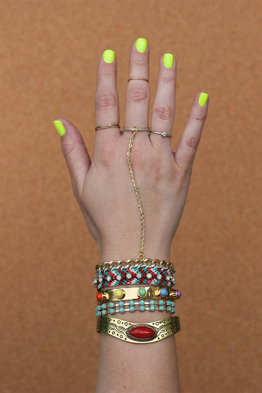 diy-friendship-bracelet-hand-charm-4
