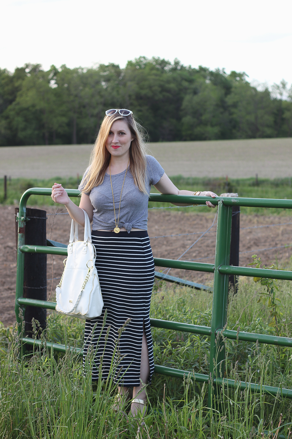 gray-tshirt-navy-striped-maxi-skirt-3