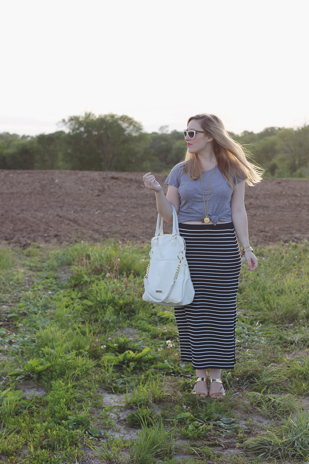 gray-tshirt-navy-striped-maxi-skirt-8