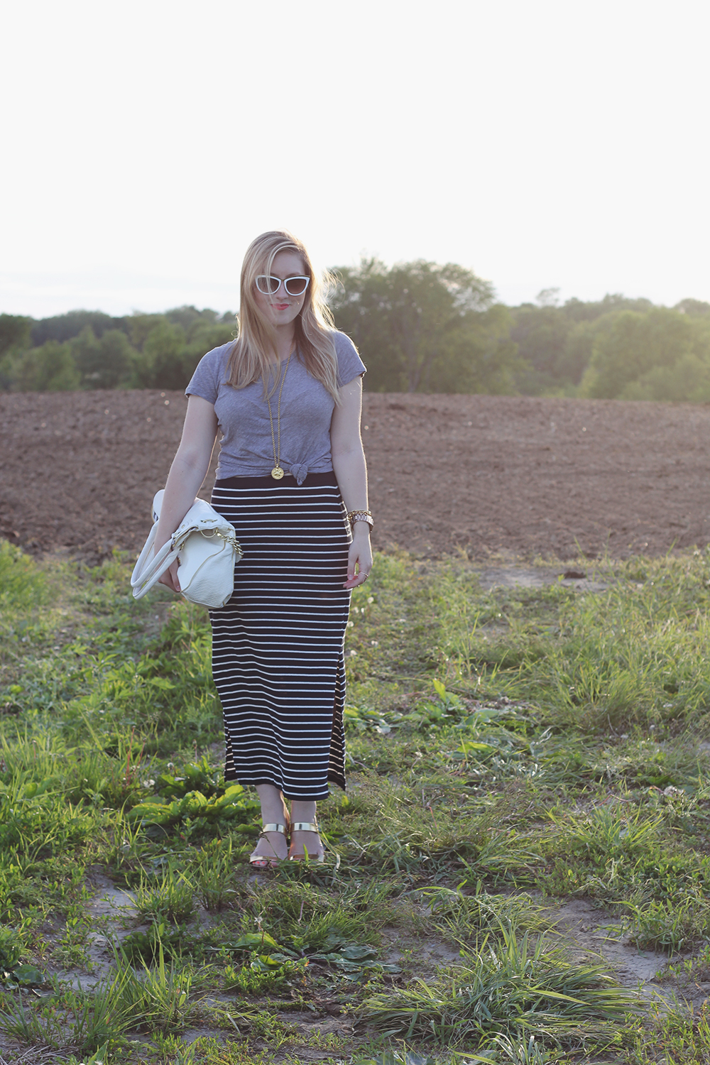 gray-tshirt-navy-striped-maxi-skirt-9