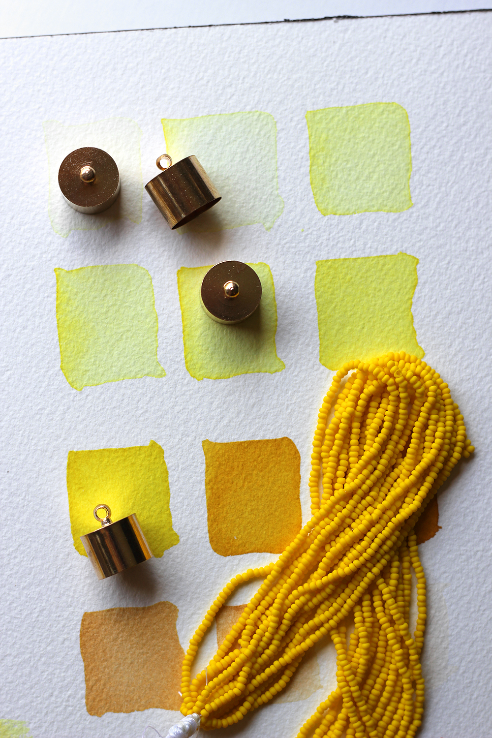 diy-yellow-tassel-necklace-4