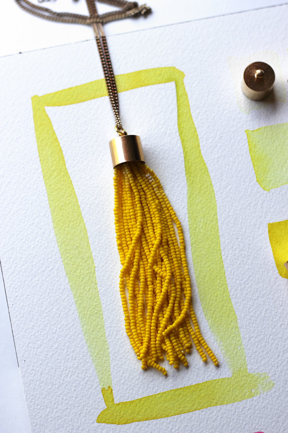 diy-yellow-tassel-necklace-5