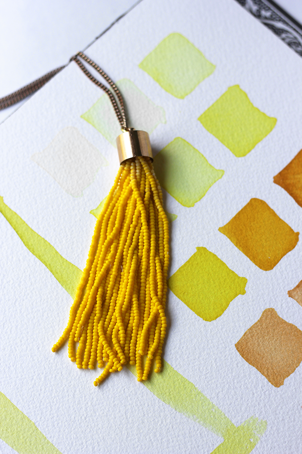 diy-yellow-tassel-necklace-8